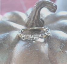 "Load image into Gallery viewer, ""Chain Chain Chain"" Yellow Gold Ring"