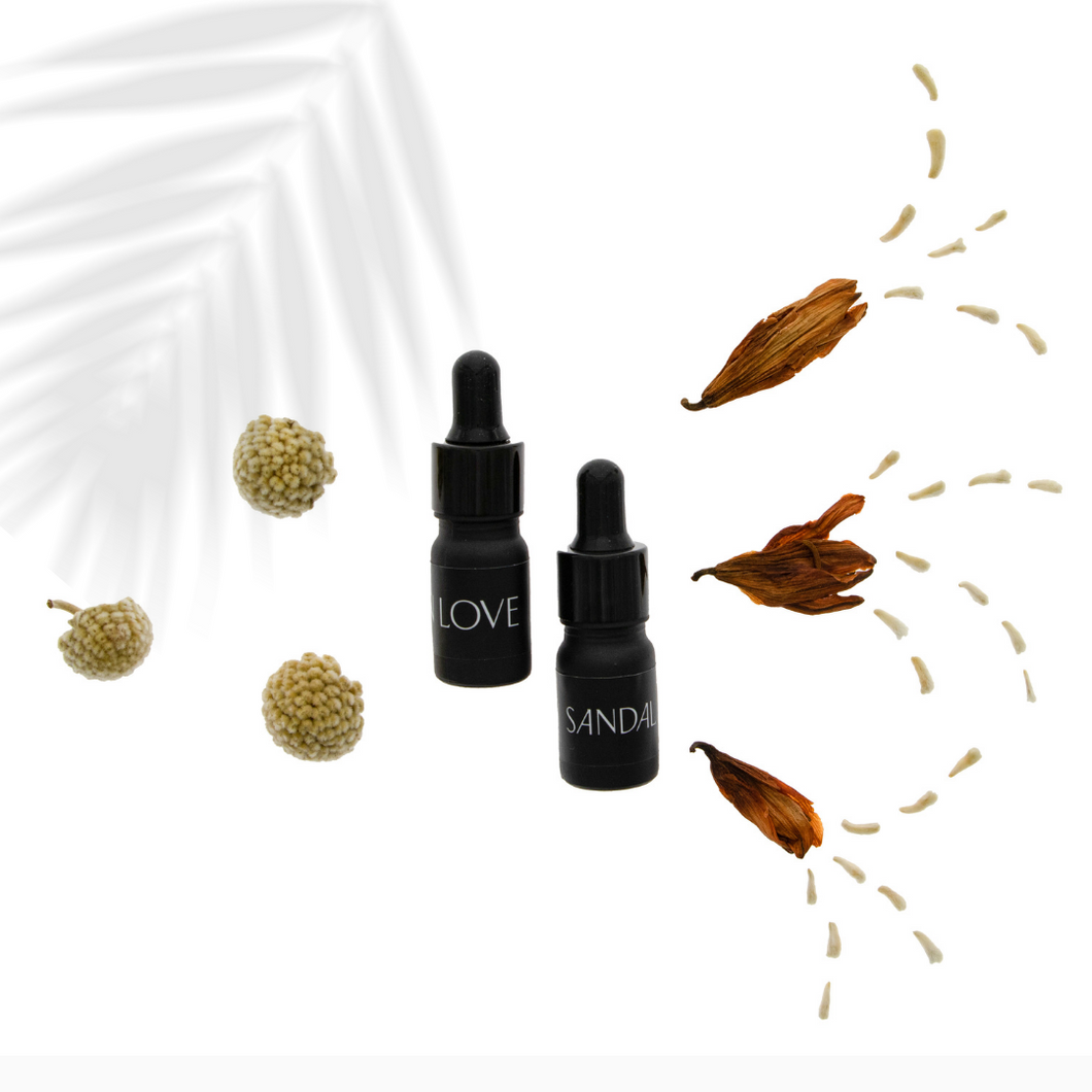 In Love & Smoky Sandalwood Home Scent Oil Set
