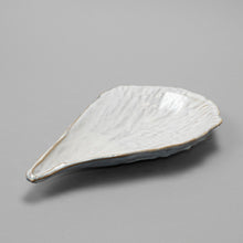 Load image into Gallery viewer, Oceanology Trinket Tableware Rough Pen Shell Plate - Heting Artelier