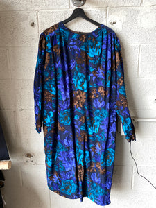 Vintage Long Sleeve Dress with Floral Pattern - WMNS L