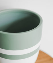 Load image into Gallery viewer, Small Seafoam Pot