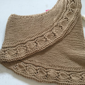 Hand knit shawl in Merino/Silk/Cashmere with leaf edge