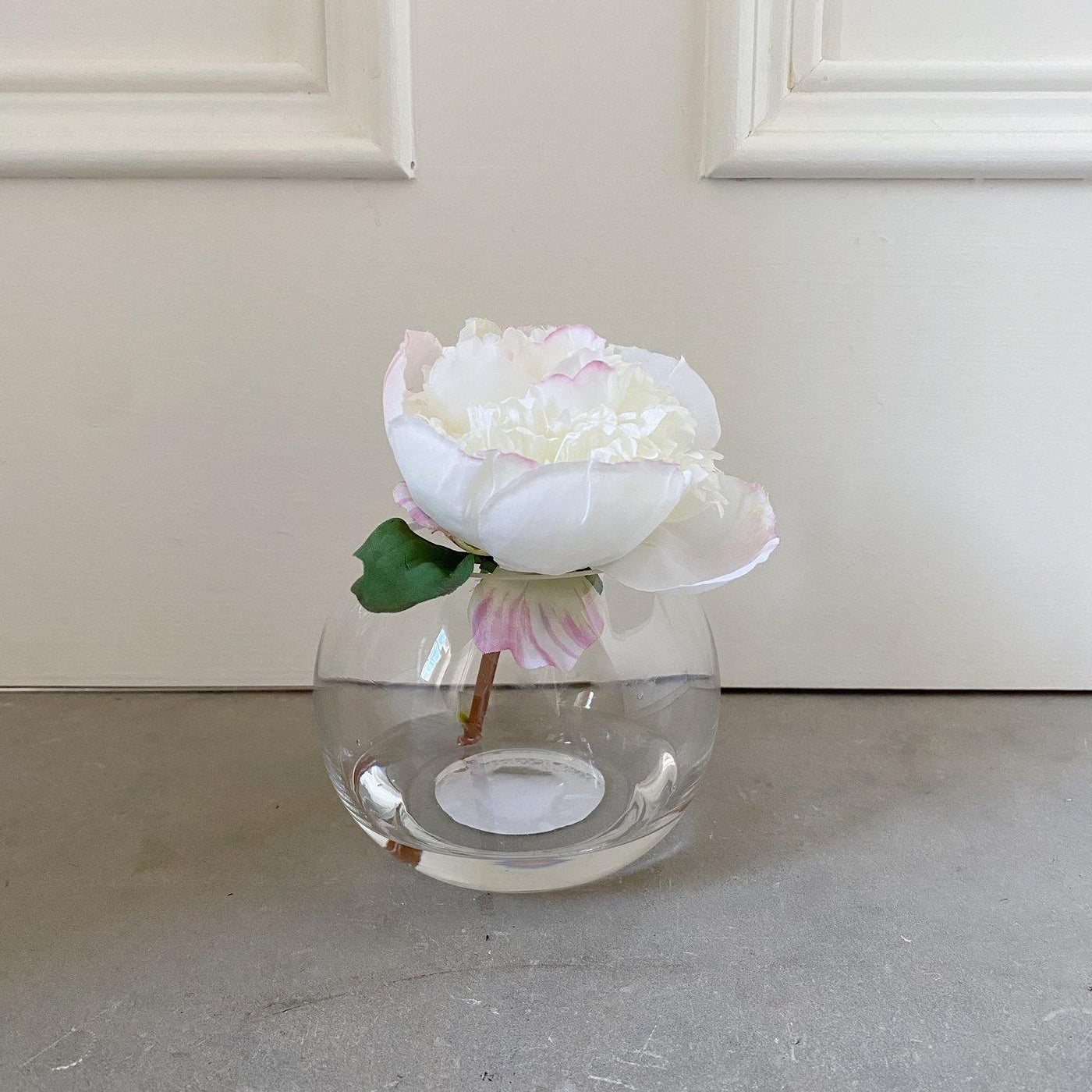Just Dotie White faux flower in a vase