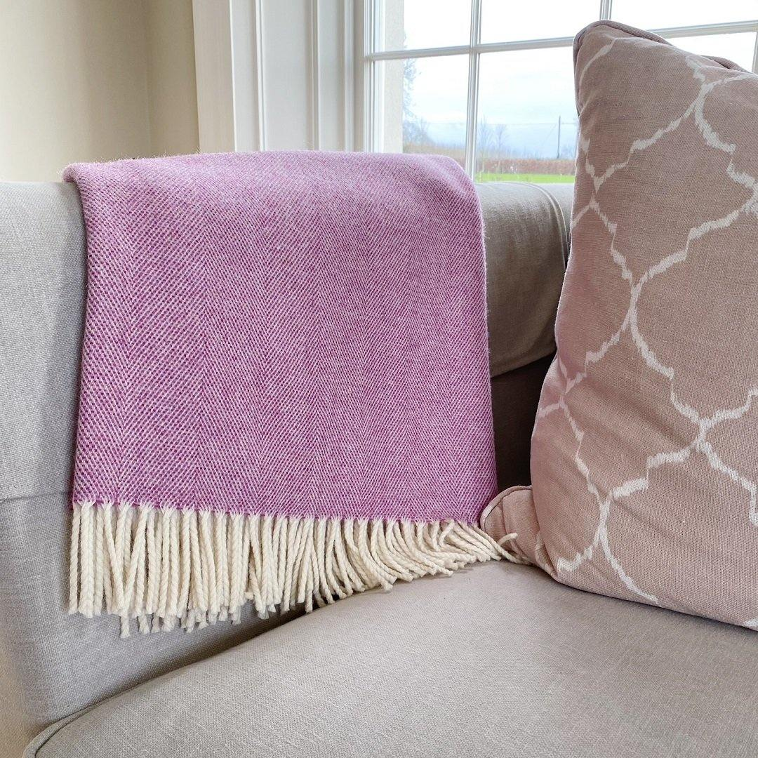 Supersoft Herringbone Lambswool Throw Pink