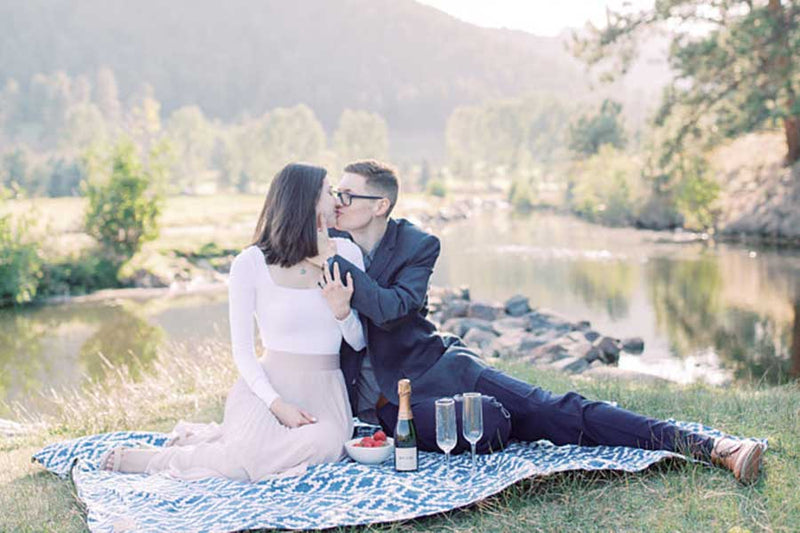 10 Items You Need to Have the Most Romantic Valentine's Day Picnic
