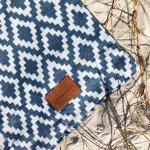 Komorebi-Diamond-Jacquard-Picnic-Blanket-Soft-Cotton-Beach-Embossed-Logo