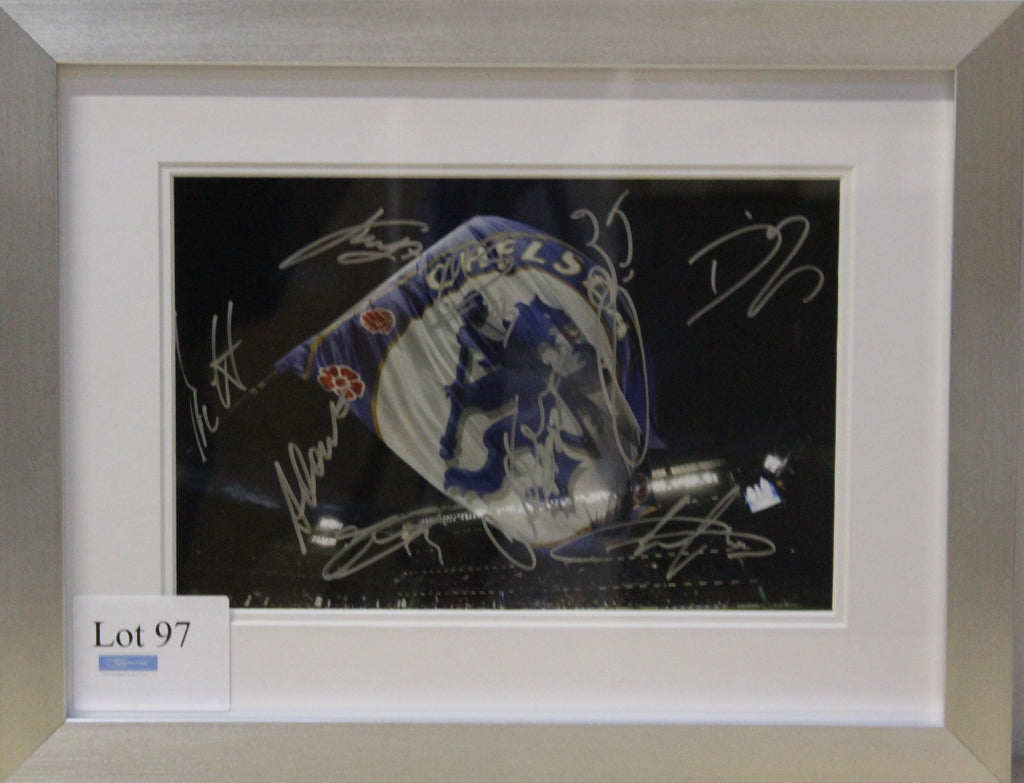 Chelsea FC 2016-17 Squad Signed Flag Photo Display