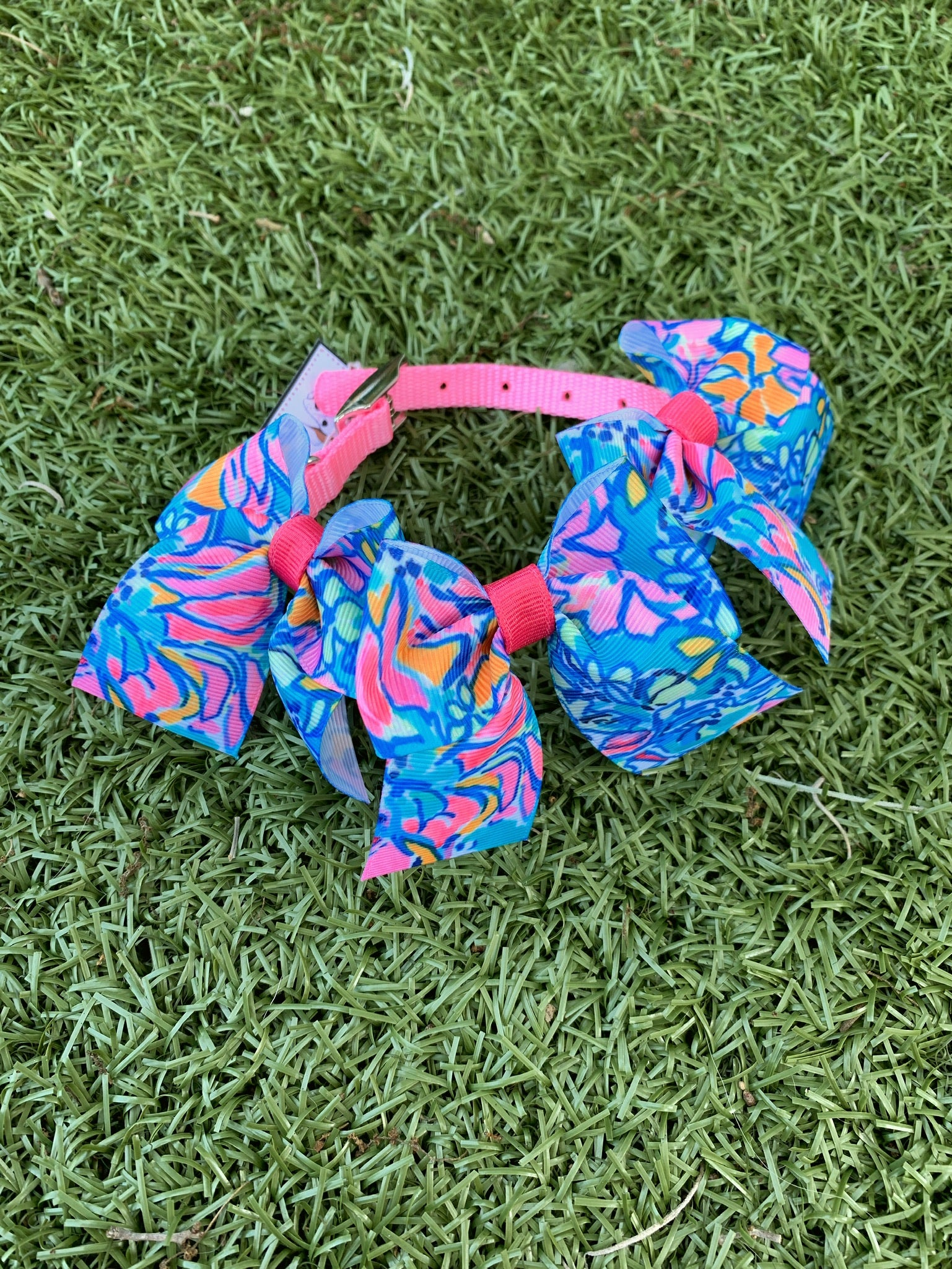 "Blue ""Lilly"" Print Bow Collar"