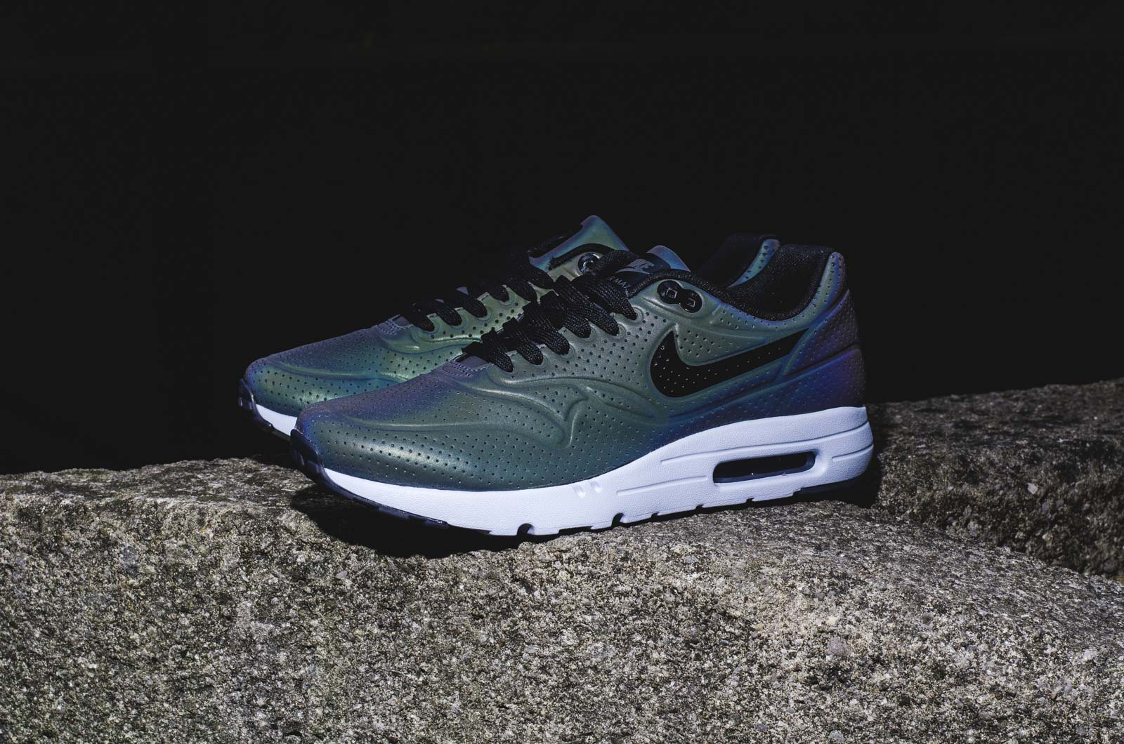 nike air max 1 ultra moire iridescent 05 14 15