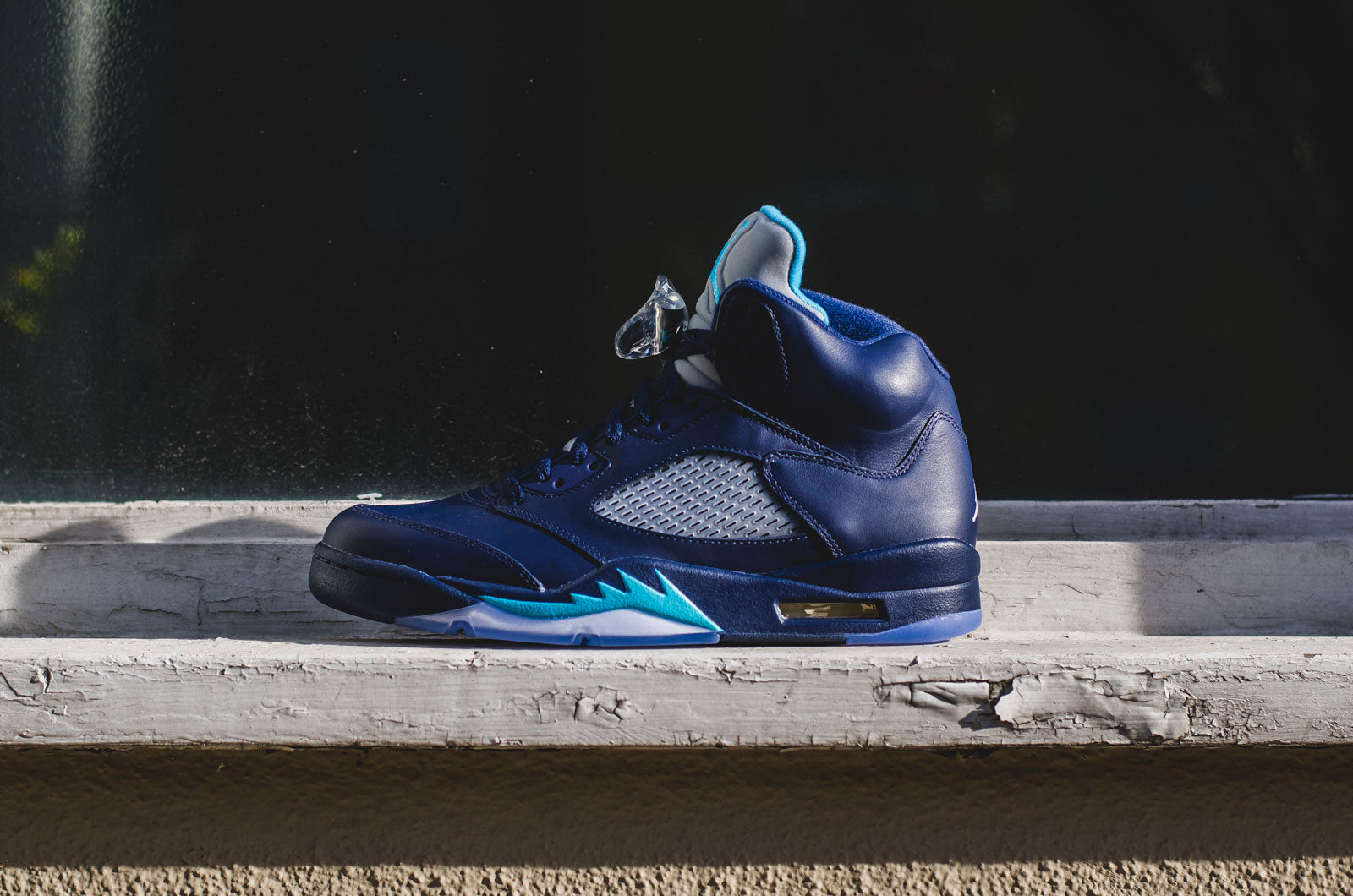 new products e9324 37409 Nike Air Jordan 5
