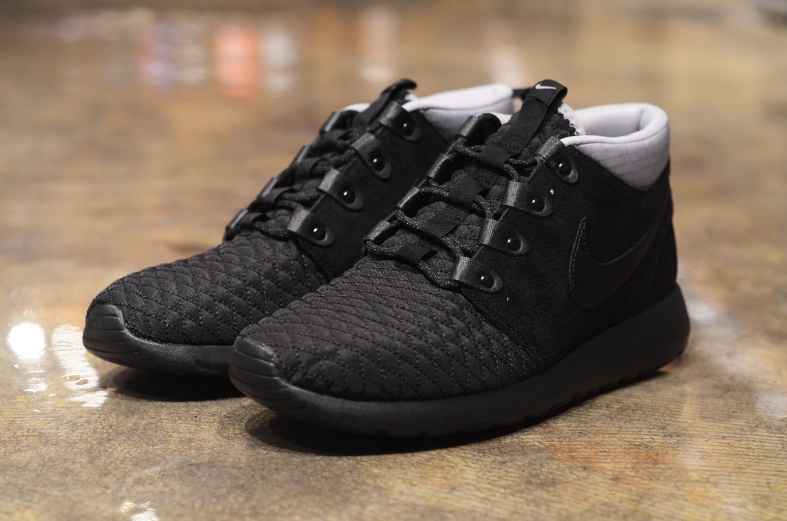 new arrivals a2240 0390e Nike Roshe Run Sneakerboots