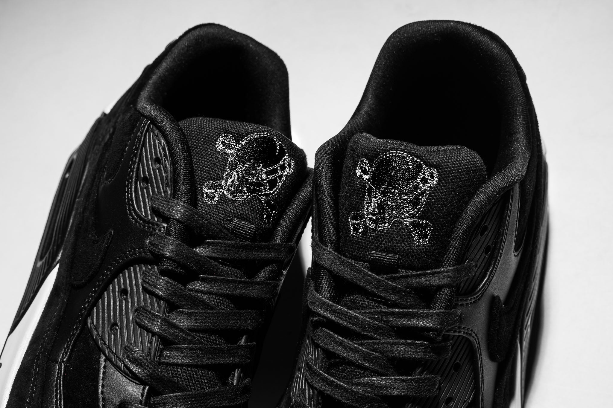 the latest ff73a e70e3 After 10 years of absence, the skull and crossbones once found on the  footwear tribute to legendary long-distance runner and Olympian Steve  Prefontaine ...