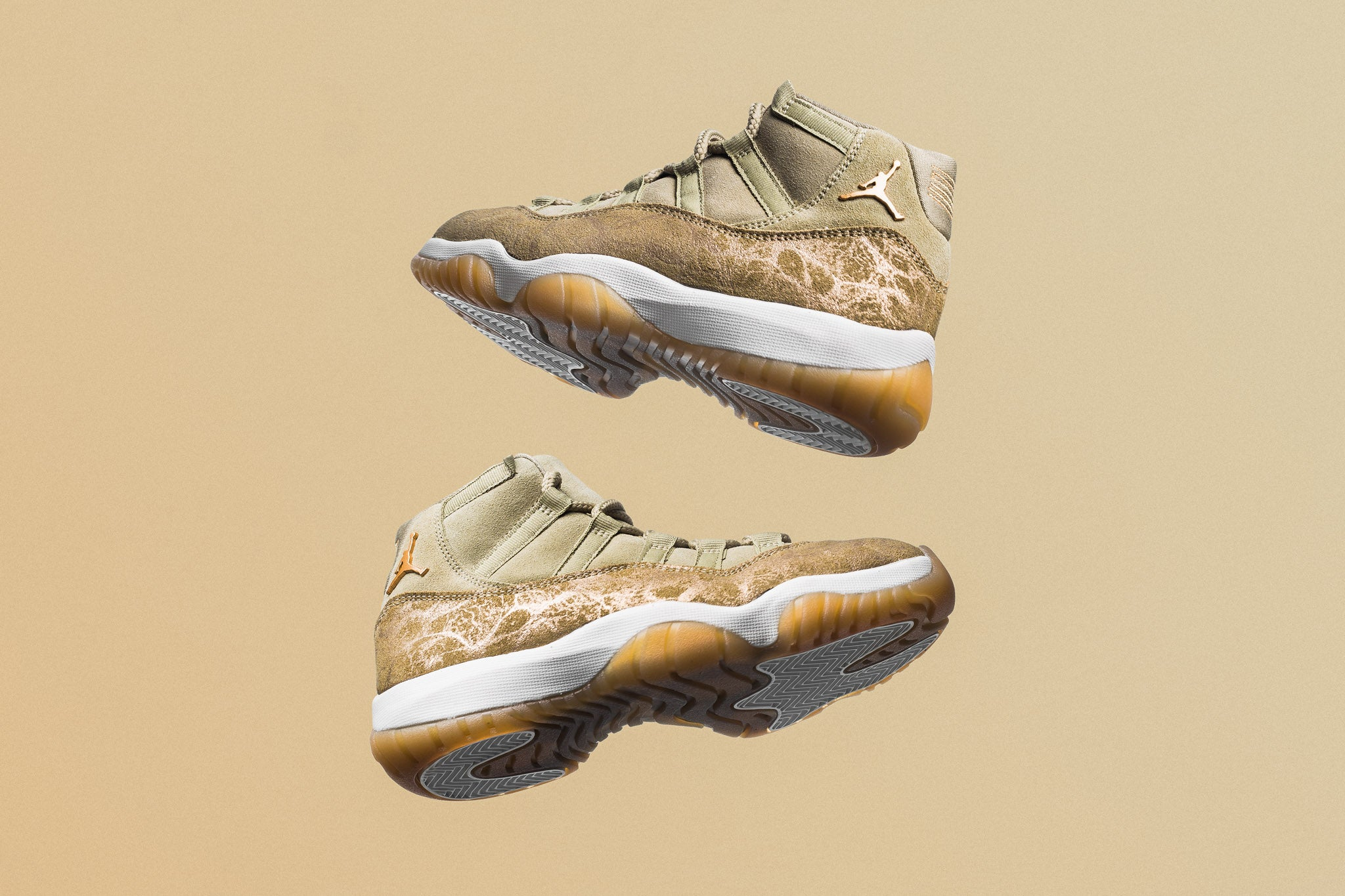 3ce5edc8e283ac Luxe and lavish materials decorate this rendition of the WMNS Air Jordan 11  Retro. Glitter textured synthetics combined with nubuck form the upper  selection ...
