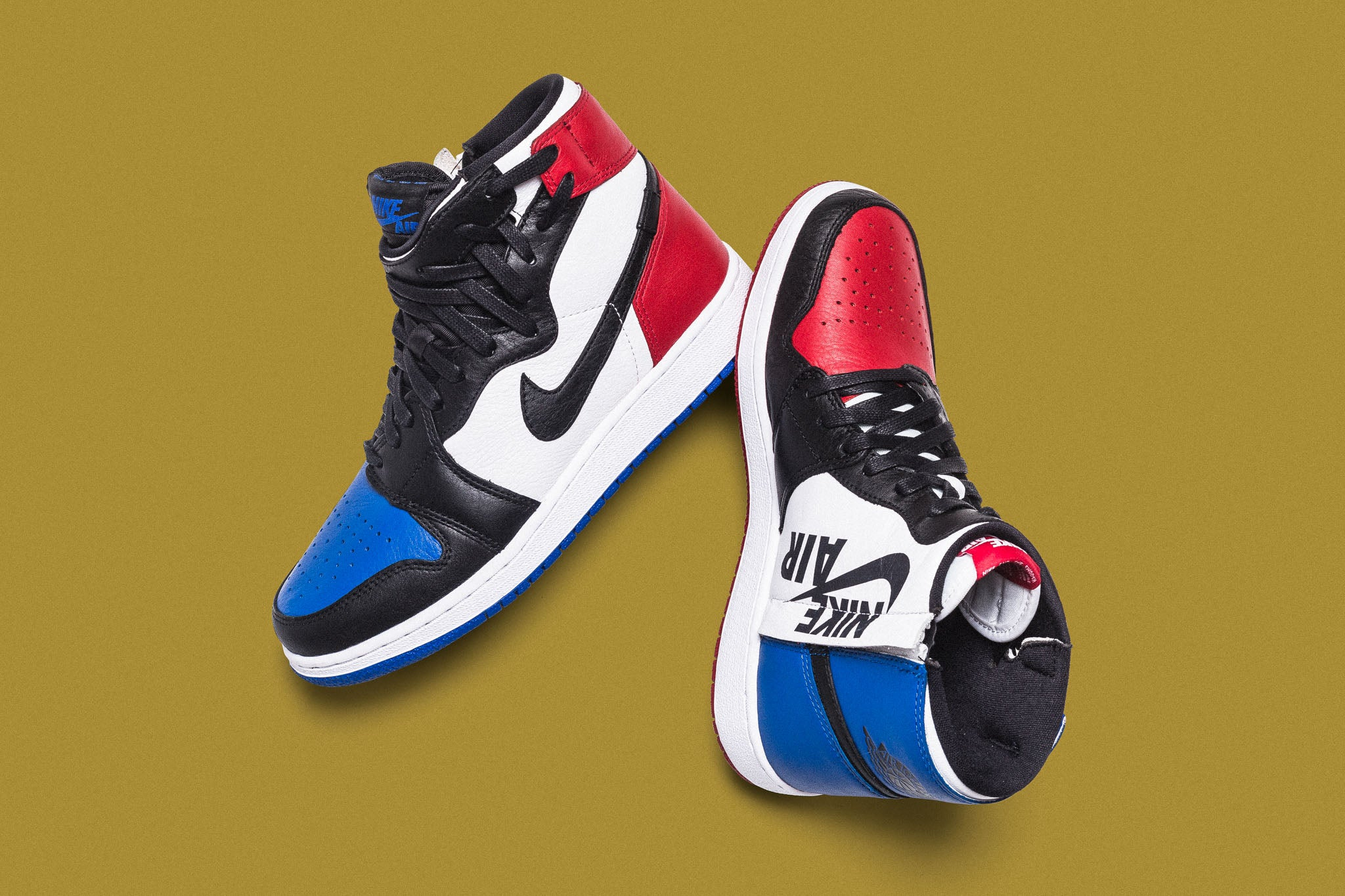 premium selection f0b87 dbb25 The Air Jordan 1 gets warped and twisted, reimagined for a new generation  of taste and fashion. The Women s Air Jordan 1 Rebel XX warps the upper  lacing to ...