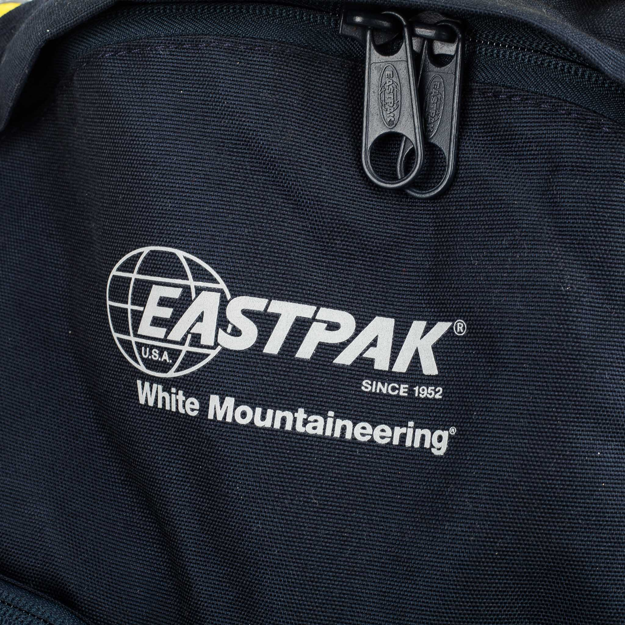 x Eastpak Reflective Medium Backpack WM1971801 Navy