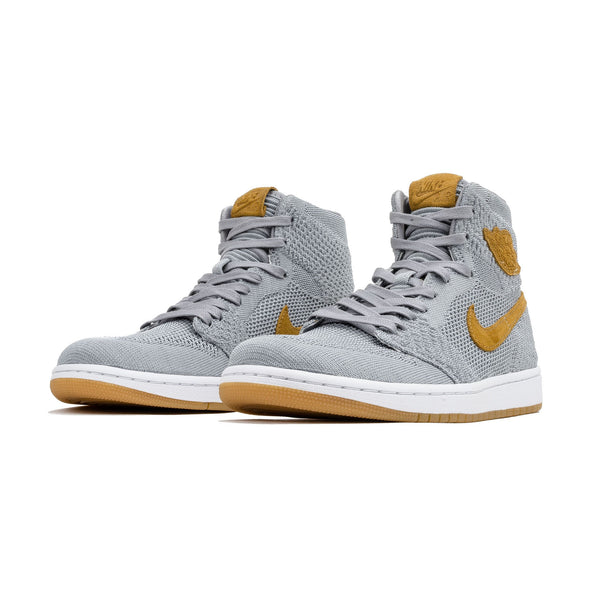 products/nike2-16_05989590-33d9-49d8-ad6b-e97b7c75fb54.jpg
