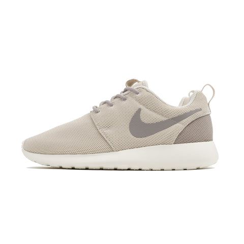 Wmns Roshe One 844994-102 Brown