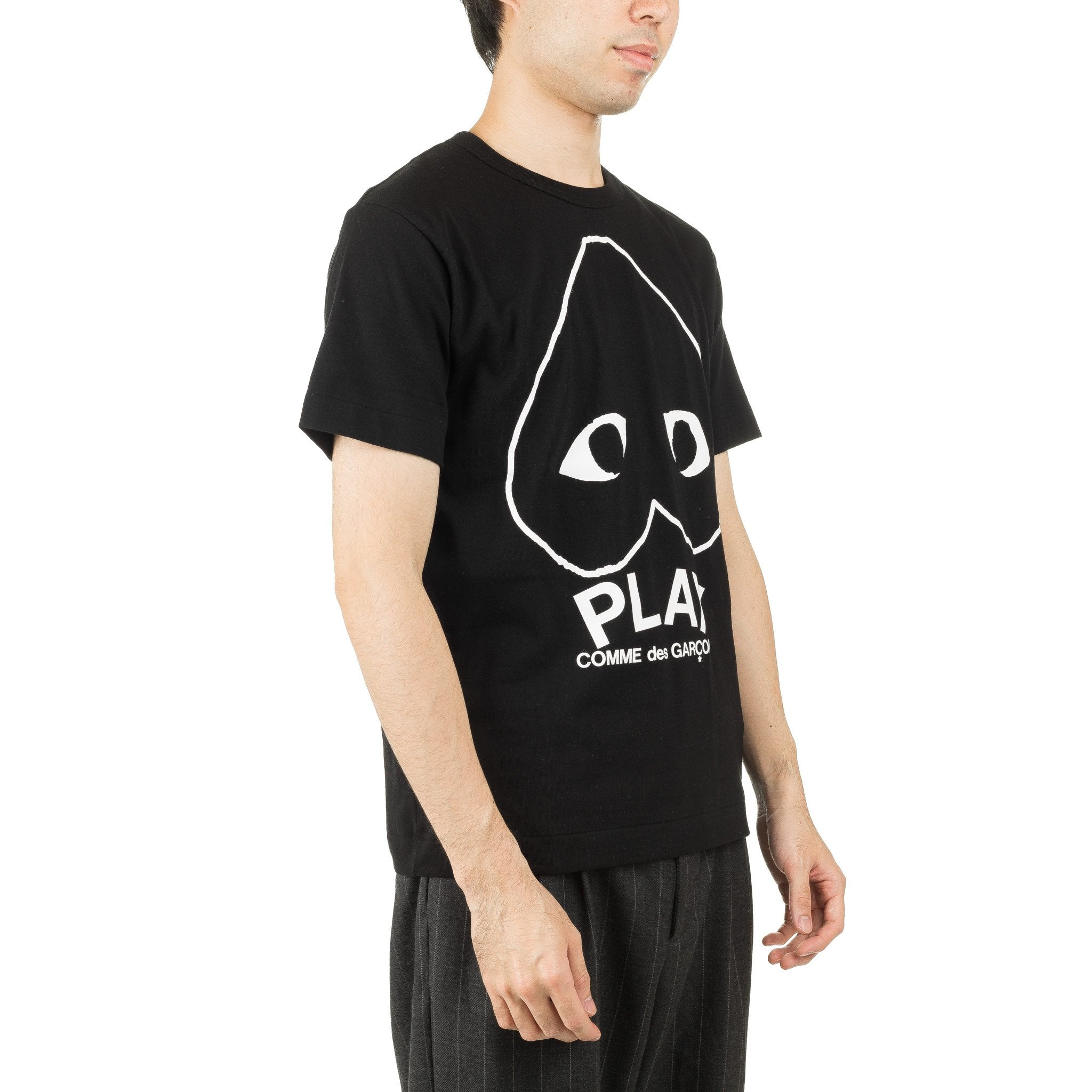 HEART INVERTED BIG GRAPHIC AZ-T114-051-1 Tee Black