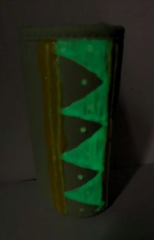 glow in the dark can-canvas