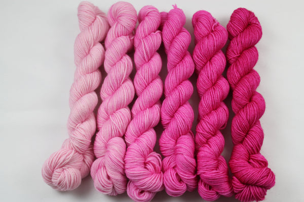 Magentas Kismet 33gr Mini Kit fingering weight yarn