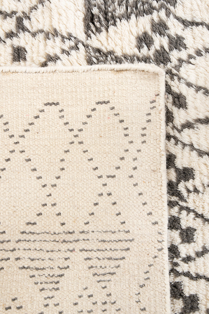 Boho Decorative Grey And White Shaggy Wool Rugs For Home Decor With Geometric Pattern 60 x 96