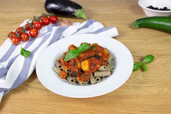 Pasta with Tomato Sauce and Fresh Vegetables