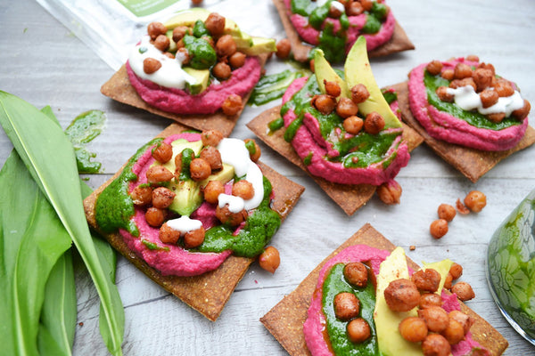 Lizza Pieces with Beetroot Hummus