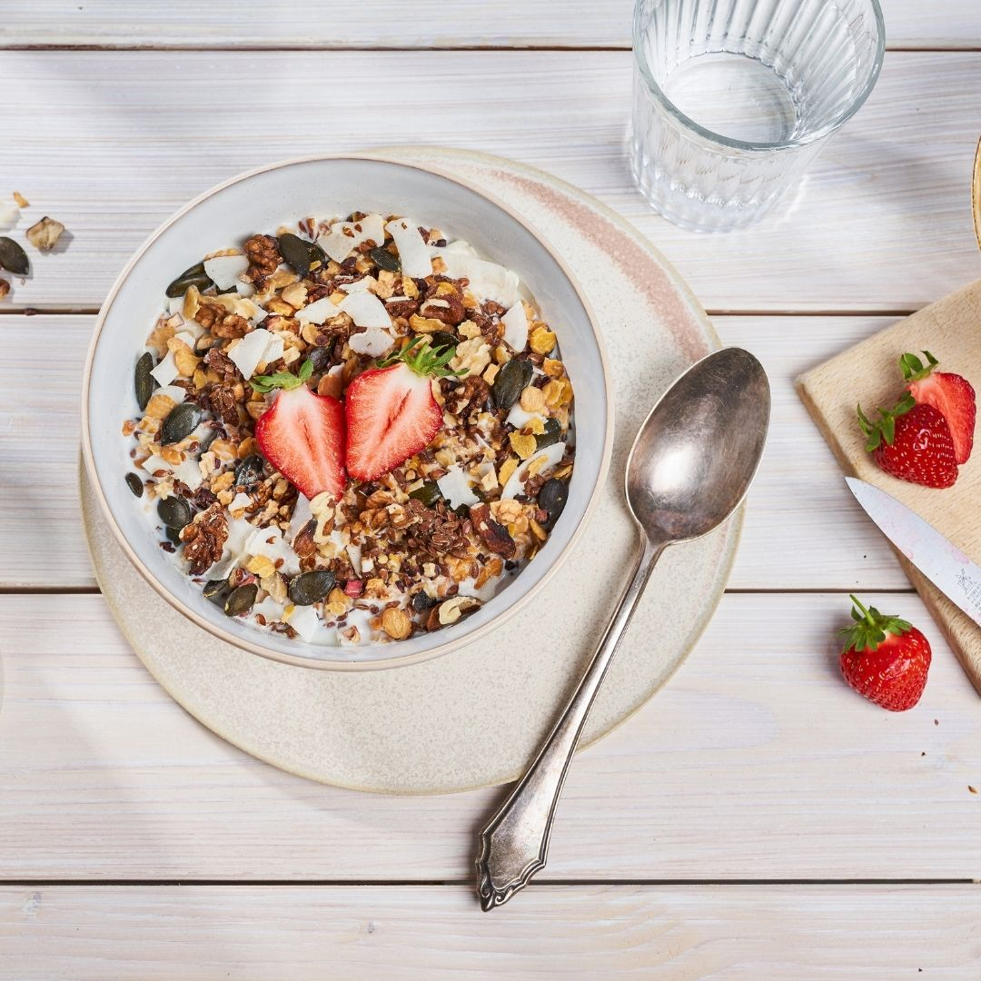 Muesli with soy flakes and flaxseed crunch is high in protein