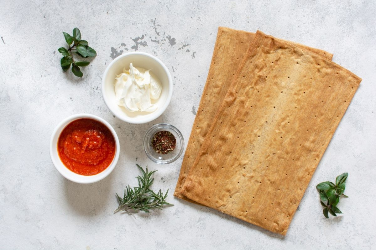 Pizza Margherita Low Carb Keto Flaxseed Dough