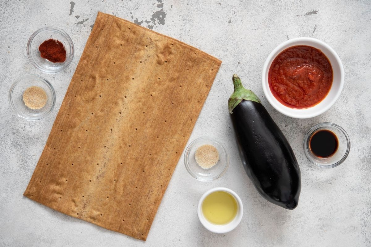 Ingredients for Low Carb Pizza with Vegan Bacon