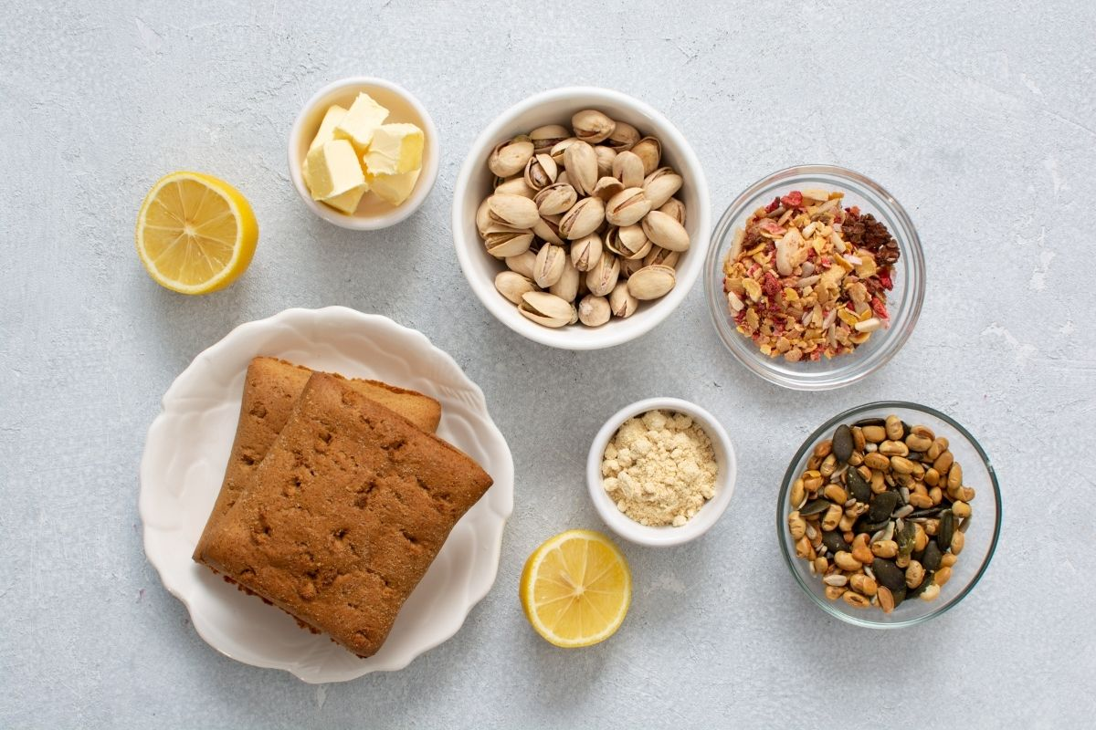 Ingredients for a Low carb Toast Square with a Homemade Pistachio Cream