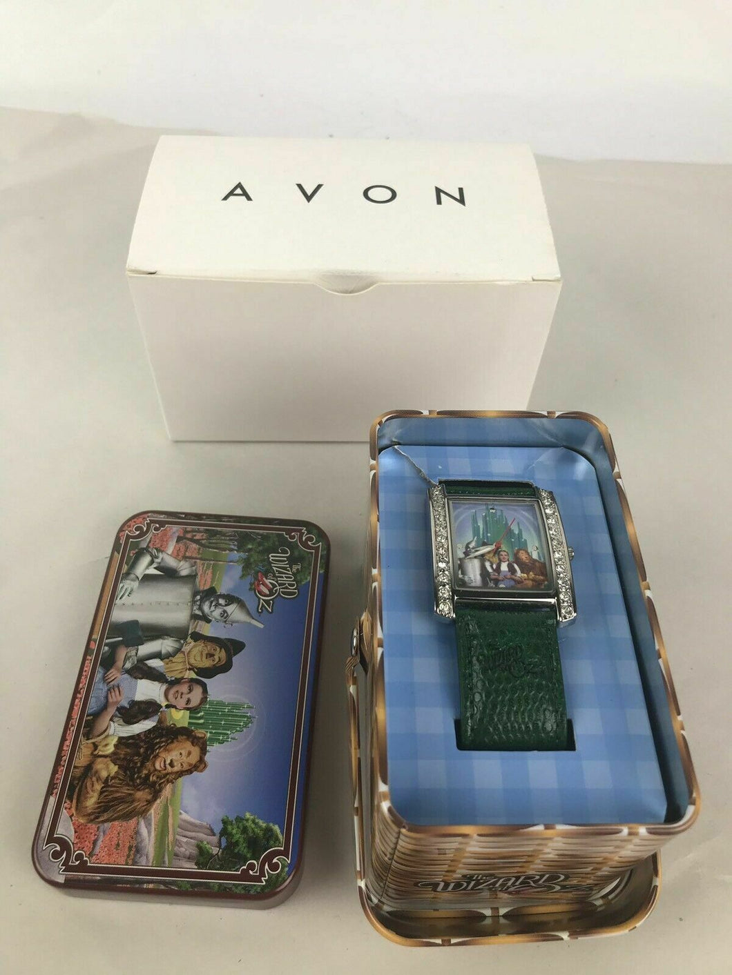 Avon Wizard of Oz 2008 Collectors Watch in Tin Basket - lot 2583