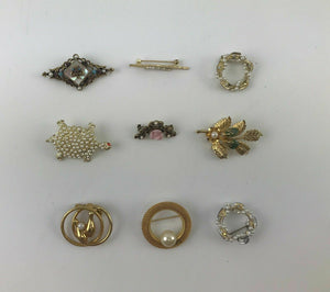 9pcs ASSORTED COSTUME JEWELRY BROOCHES WITH PEARLS - LOT 3055