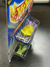 Load image into Gallery viewer, 1994 Hot Wheels Hotwheels Error Packing!! Wrong Car In Bonus Pack! Rare NOS