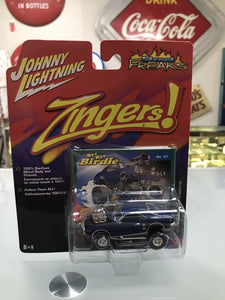 Johnny Lightning '68 Pontiac Firebird Muscle Car Street Freaks Zingers 2006-8167