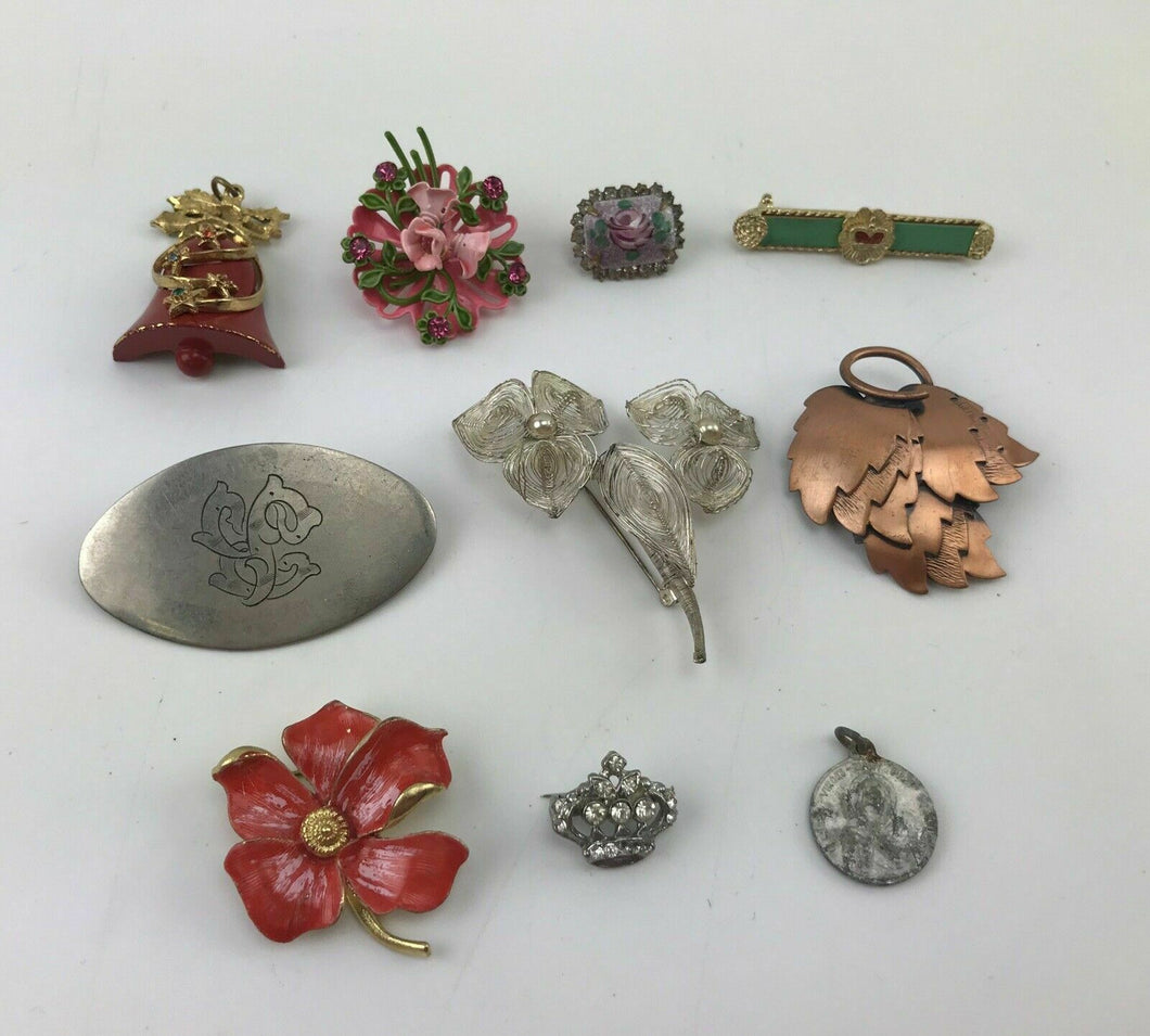 9pcs ASSORTED COSTUME JEWELRY BROOCHES - LOT 3056