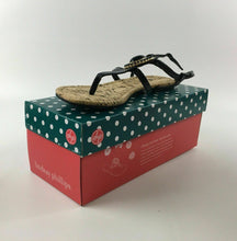 "Load image into Gallery viewer, NIB LINDSAY PHILLIPS CHANGEABLE STRAP SHOE ""MEREDITH"" BLACK SIZE 9 - LOT 4070"