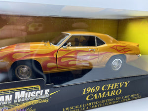 1 18 ERTL 1969 CHEVY CAMARO GOLD METALLIC W/FLAMES & GOLD TORQUE THRUST WHEELS