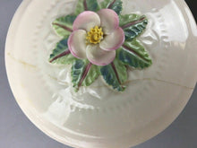 Load image into Gallery viewer, 2pcs Vintage Belleek Trinket Dishes - Lot 3358