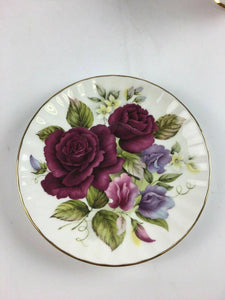 Vintage Duchess Fine Bone Chine Tea Cup & Saucer - Lot 4185