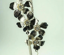"Load image into Gallery viewer, Jill Jocobsen Textured Flower 45"" Necklace - lot 2116"