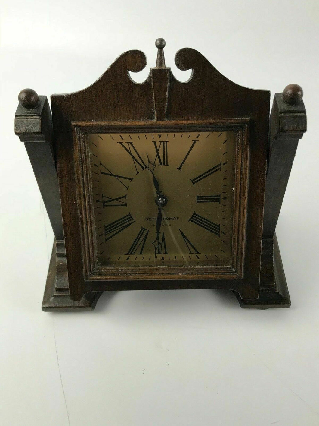 VINTAGE SETH THOMAS 4-JEWELS TABLE CLOCK ON EASEL #1523