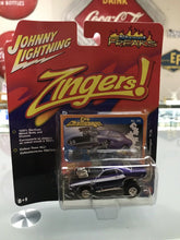 Load image into Gallery viewer, Johnny Lightning Street Freaks Zingers '70 Dodge Challenger T/A No. 65-10132