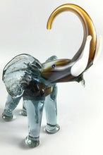 Load image into Gallery viewer, Cristales De Chihuahua Glass Elephant Figurine- 1206
