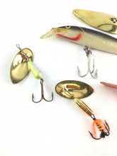 Load image into Gallery viewer, Vintage Fishing Lures Lot Of 5 5568