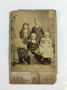 Vintage 19th Century J R Pearson cabinet card of a family's children - lot 3050