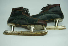Load image into Gallery viewer, VINTAGE CCM HOCKEY SKATES - LOT 2838