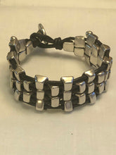 Load image into Gallery viewer, Uno De 50 silver plated alloy  reversible bracelet.