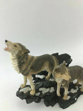 Load image into Gallery viewer, Assorted Lot Of (3) Decorative Wolf Pieces- 3698