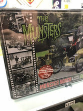 Load image into Gallery viewer, 2010 AMT #619 SPECIAL EDITION MUNSTERS KOACH, DRAG-U-LA w Collectors Tin 2-3160